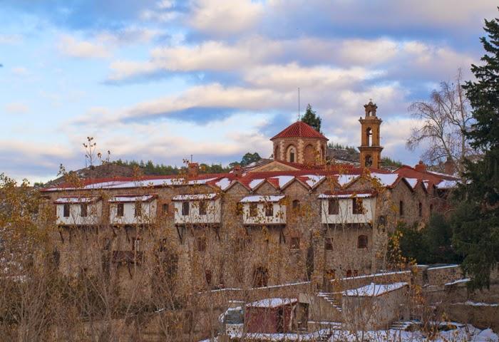 Монастырь Махера поздней осенью
