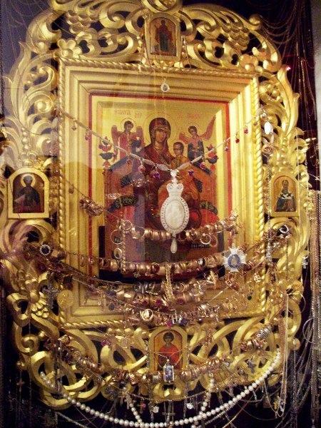 Список иконы Божией Матери, именуемая «Всецарица» («Панта́насса») находится в городе Екатеринодар