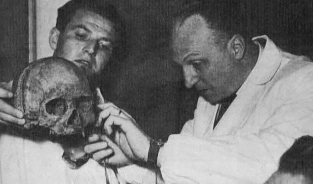 Профессор Луиджи Мартино (справа), 1953 г.