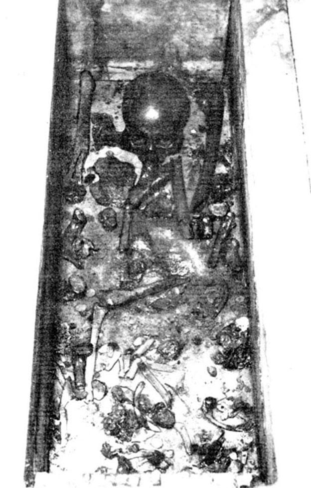 Так выглядели мощи Святителя Николая Мирликийского, когда вскрыли саркофаг в базилике города Бари