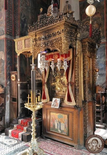 Чудотворный образ Троеручицы в Хиландаре