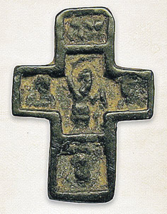 Древние изображение на нательном крестике