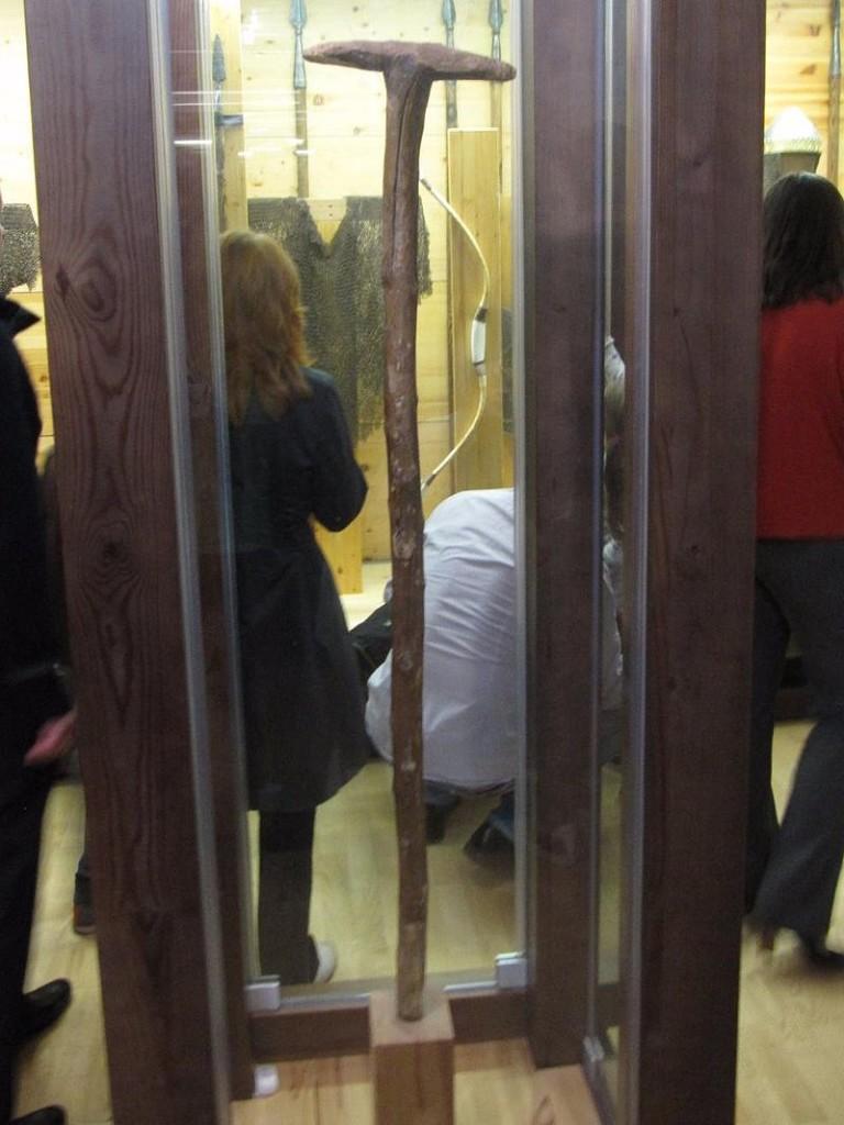 Яблоневый посох Пересвета, хранился в музее-заповеднике «Рязанский Кремль»