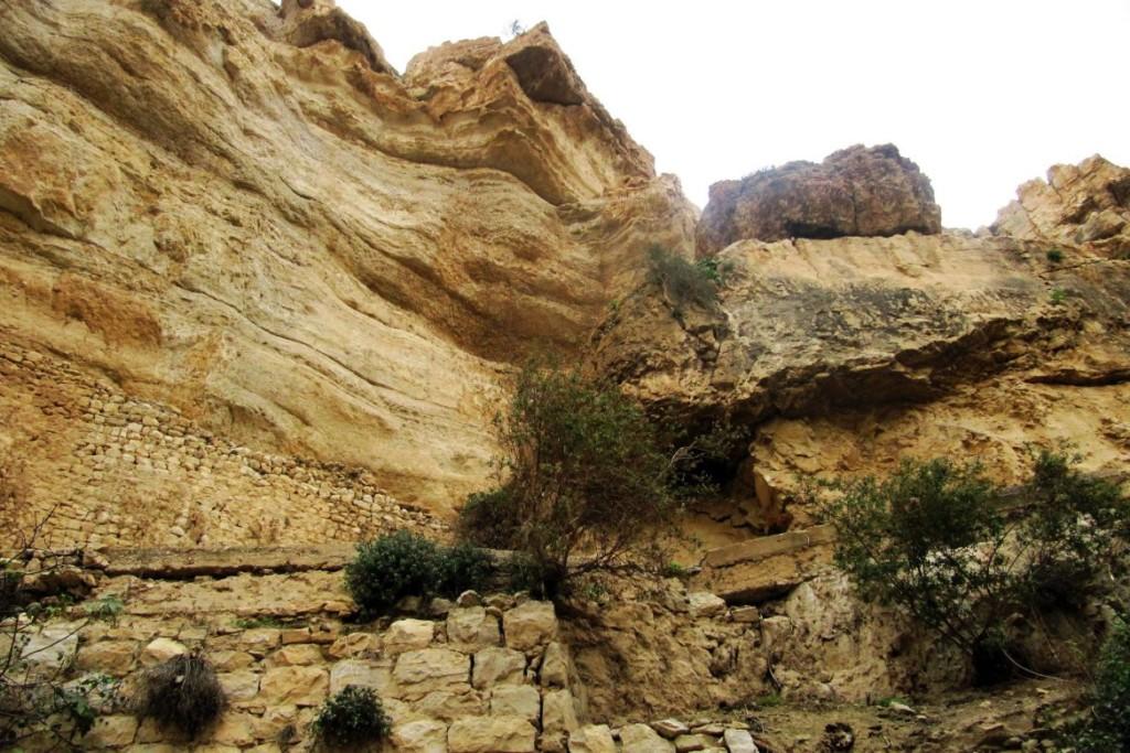 Вади эль-Кельт – бетонный канал вместо древнего акведука