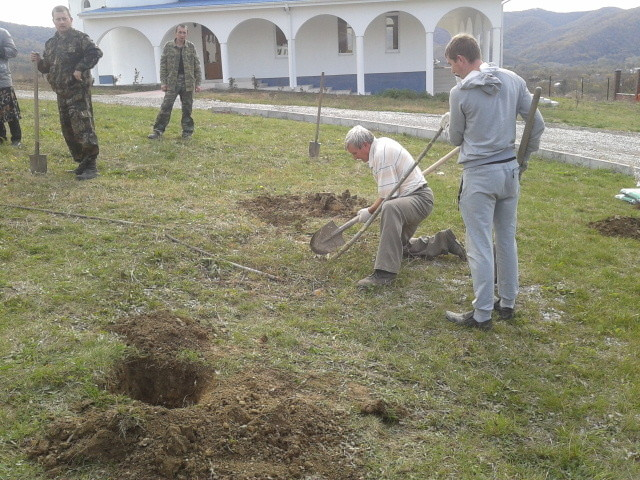 Посадка монастырского сада